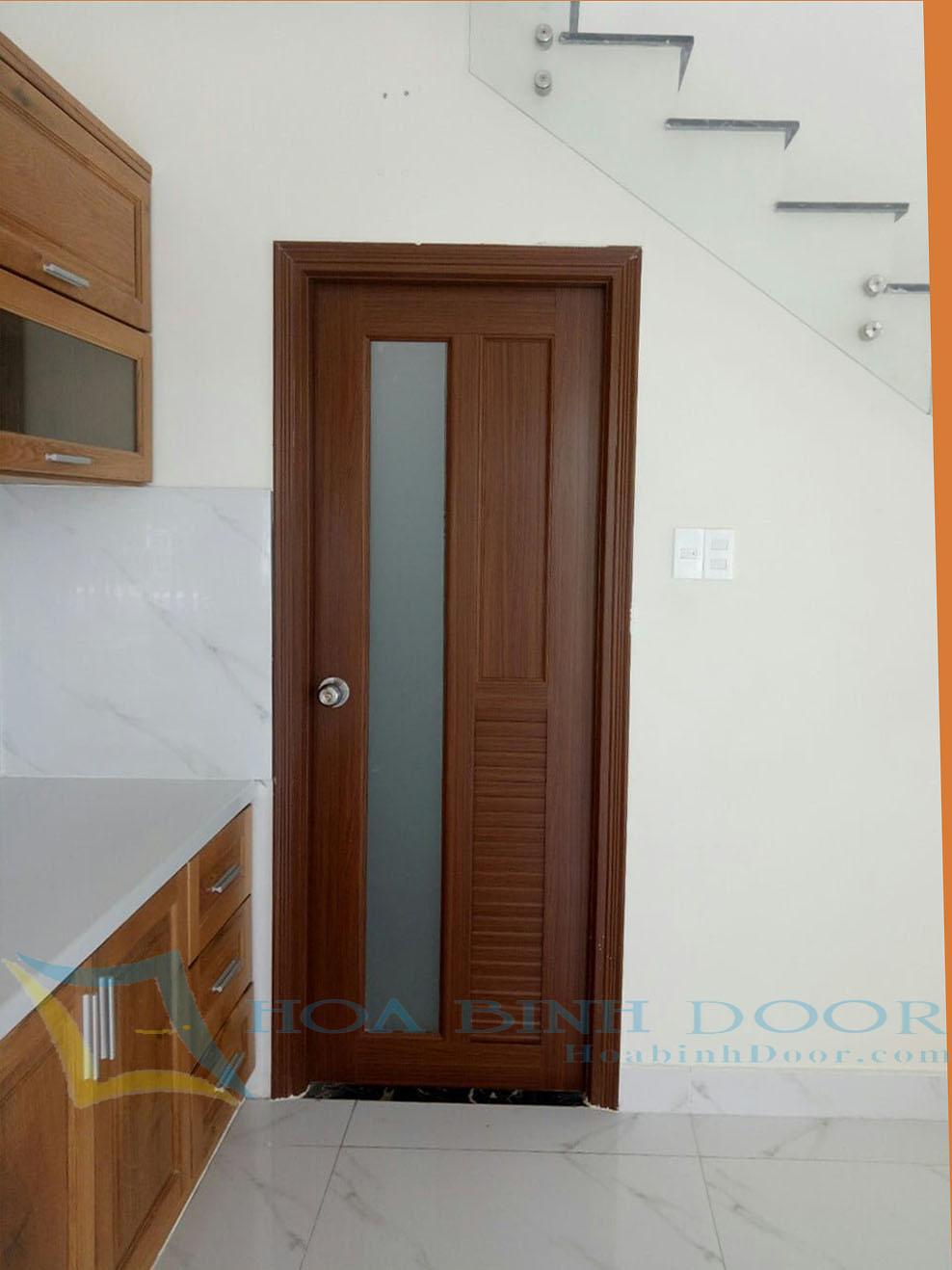 cửa nhưa đài loan