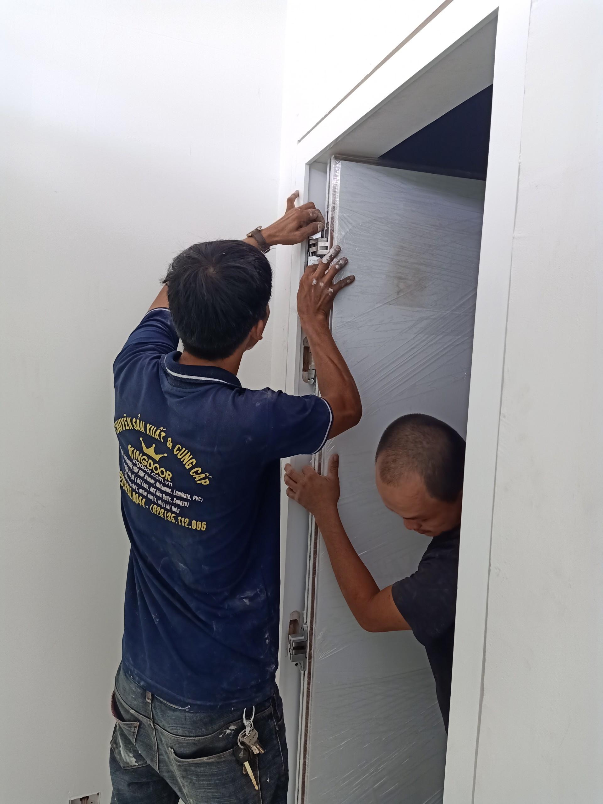 Cửa Gỗ Công Nghiệp Tại Bình Tân